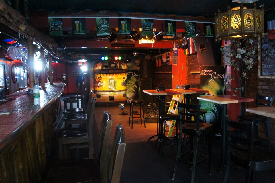 best pickup bars montreal