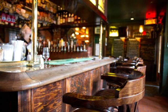 Hurleys Irish Pub_Montreal1