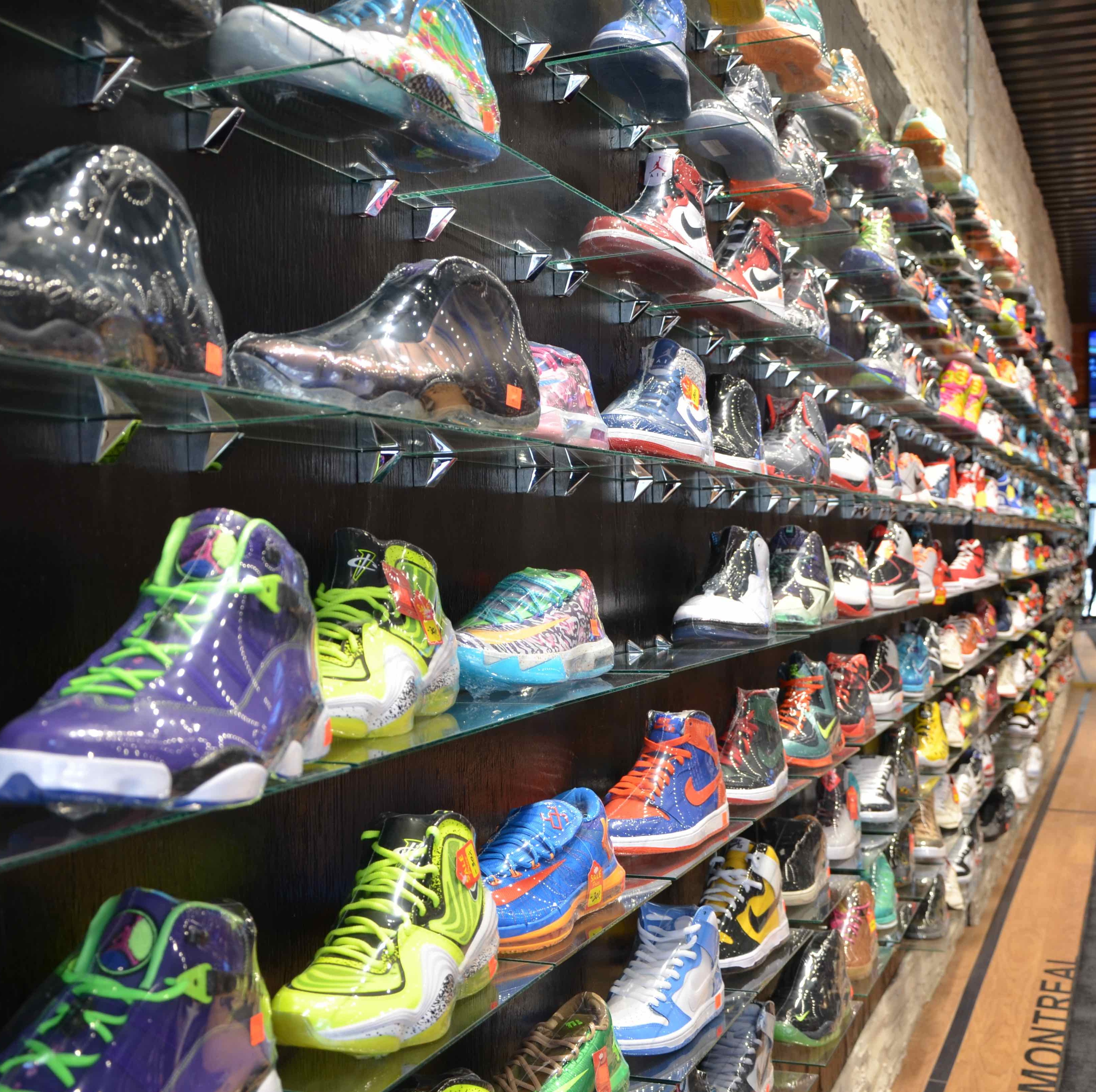 Vingt-Trois Sneaker Consignment Store Montreal (4)