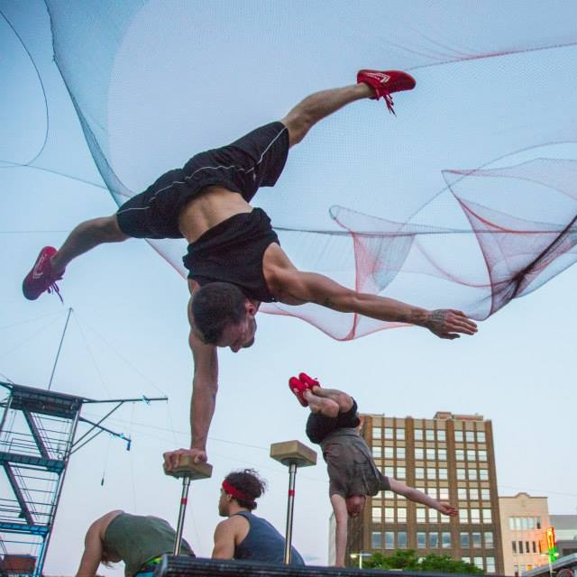 Montreal Completement Cirque [Renald Laurin] (9)