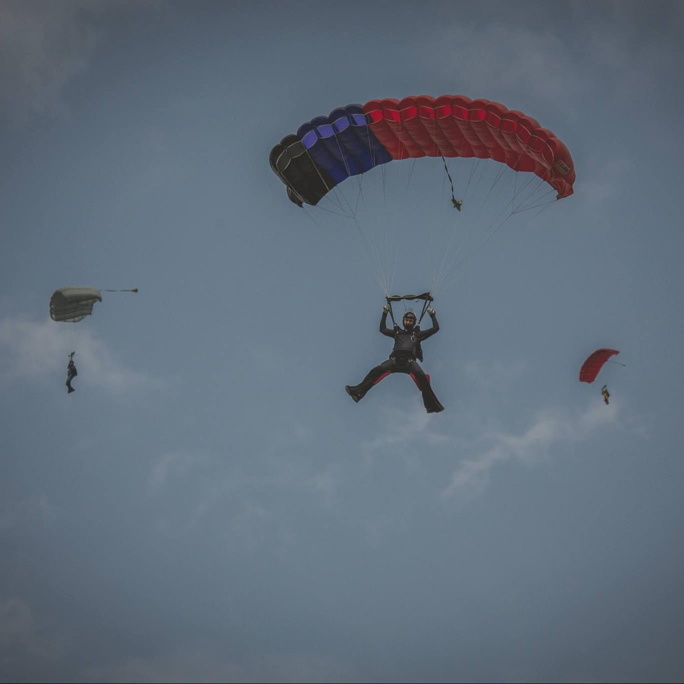 Parachute Montreal (2)