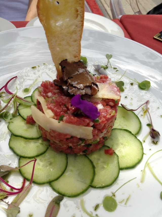 Le Pois Penche_Montreal restaurant_Montreal food divas_beef italian tartare