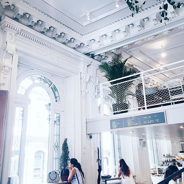 Tommy Cafe Old Montreal (8)