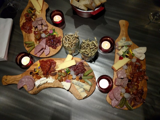 Les Cocottes Montreal Restaurant 02