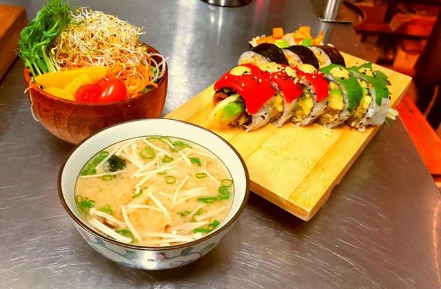 Sushi Momo Montreal Restaurant 03