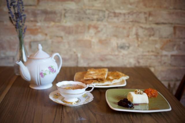 Cafe Aunja Montreal coffee (1)