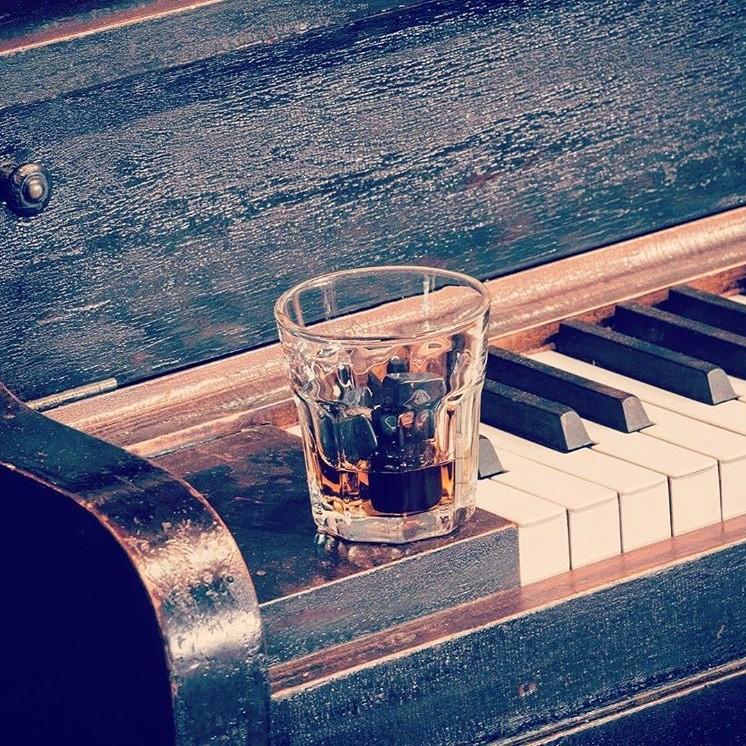 bootlegger lauthentique montreal whiskey bar (10)