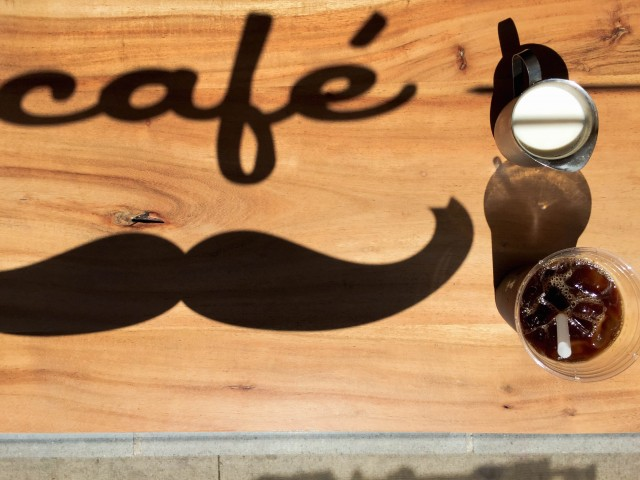 moustache_cafe_montreal-10