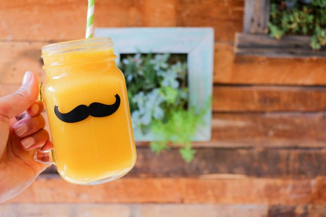 moustache_cafe_montreal-7