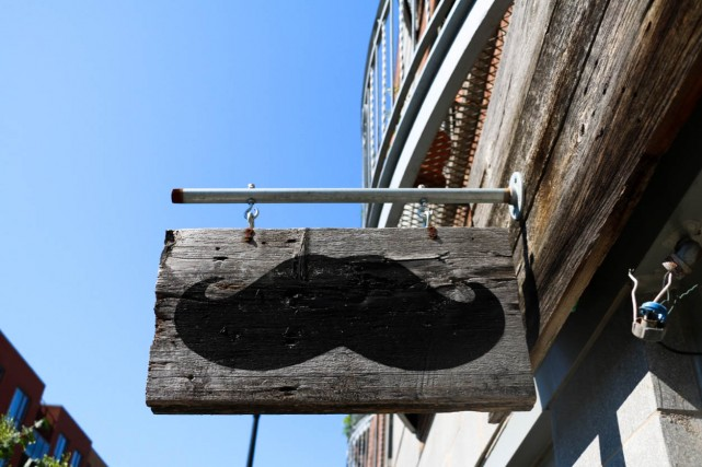 moustache_cafe_montreal-8