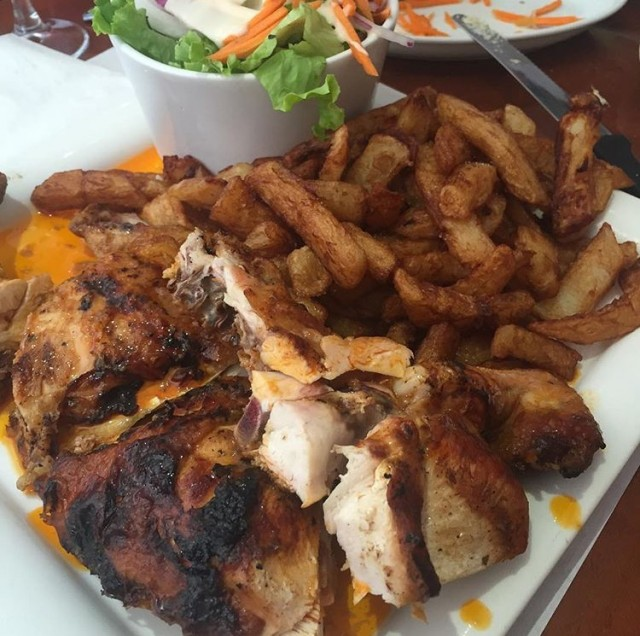 o-cantinho-montreal-grilled-rotisserie-bbq-chicken-guide