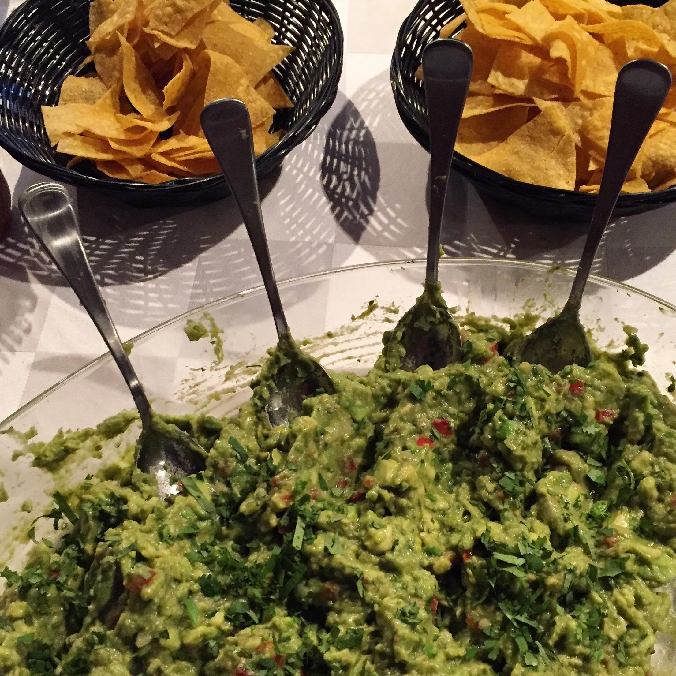 emilianos-montreal-mexican-restaurant-12