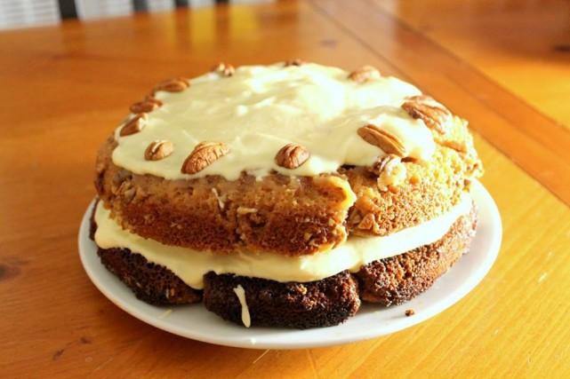 mtl-bakeoff-montreal-samantha-gold-praline-crusted-pumpkin-spice-cake