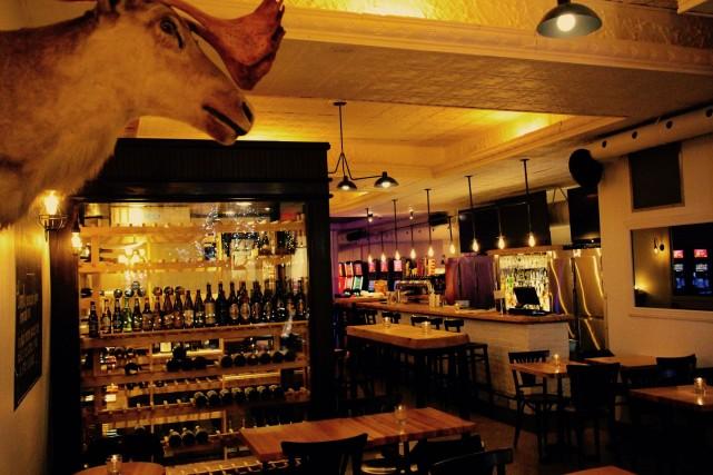 l-autre-bar-laurier-ouest-montreal-2