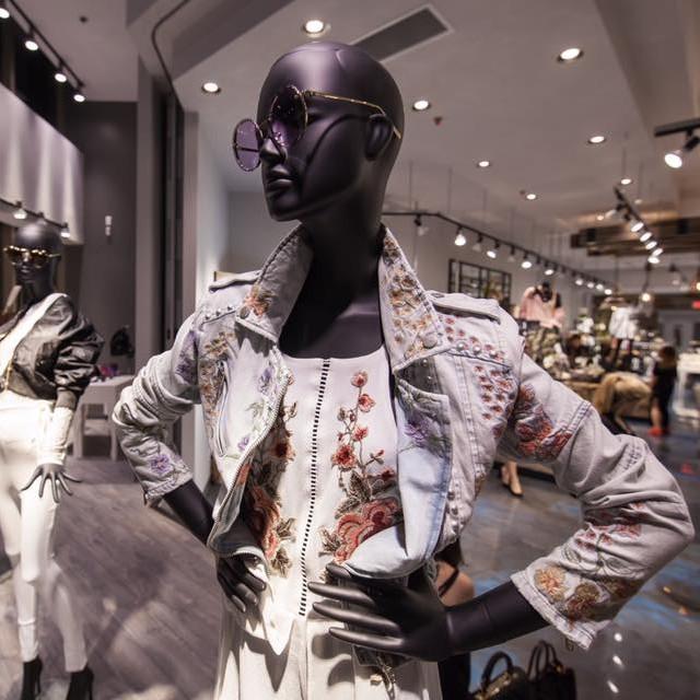 mc2520 montreal laval shopping store fashion 3