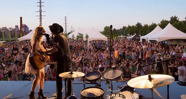 Folk Fest performance photo montreal