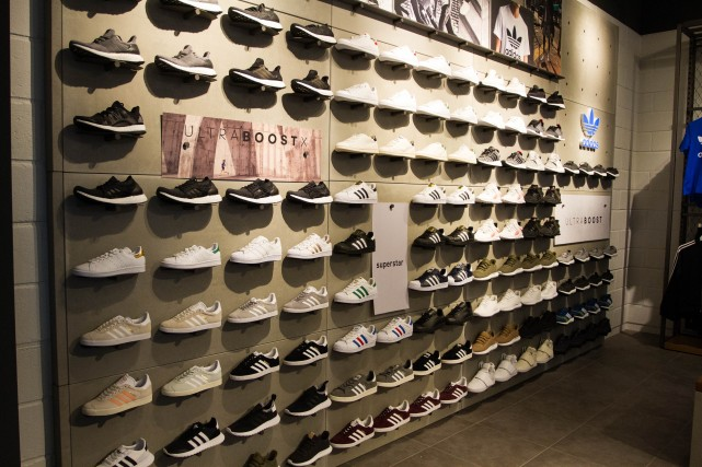 FootLocker.Interior2