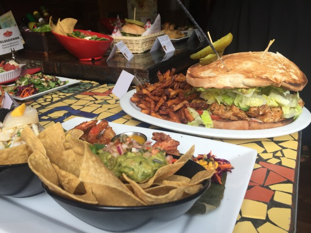 el zaziummm mexican texmex restaurant montreal 3