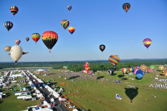 hot air balloon festival montgolfiere montreal st jean de richelieu 9