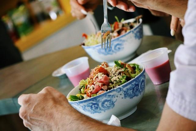 vertu bar sante salad health food restaurant montreal 6