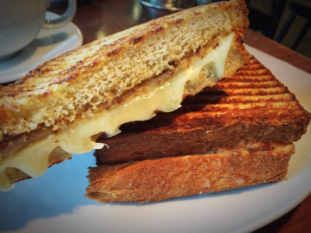 Grilled cheese guide [patrice patissier] NV montreal