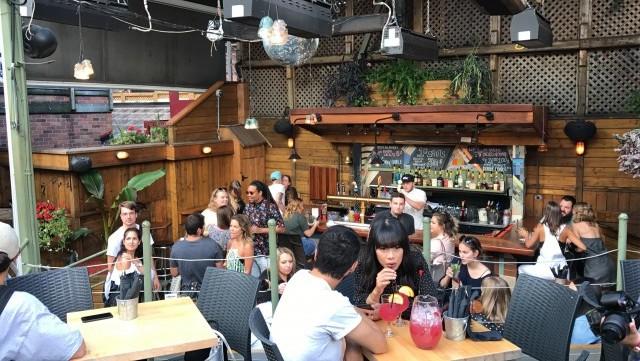 abreuvoir montreal bar restaurant 1