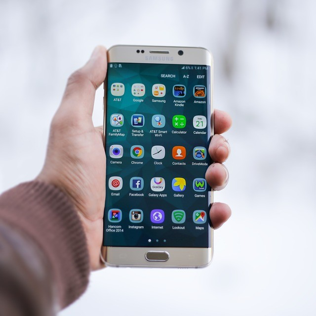 Montreall smartphone