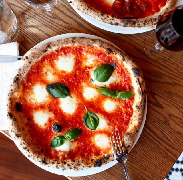pizzeria pizza no 900 westmount montreal 5