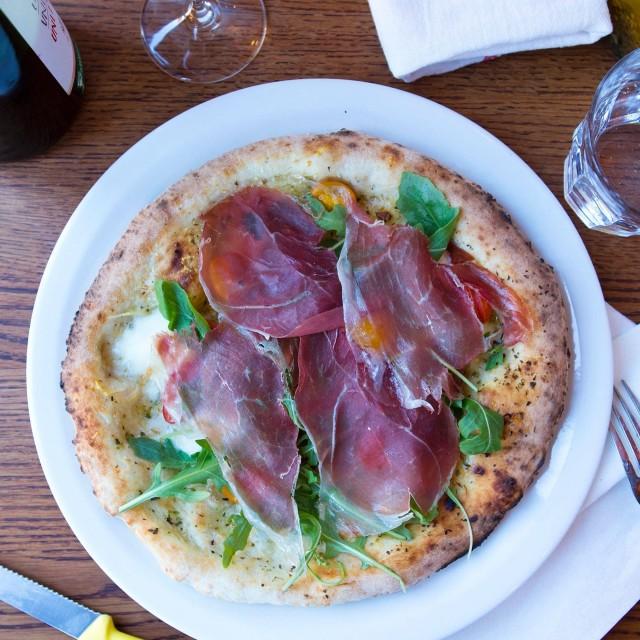 pizzeria pizza no 900 westmount montreal 7