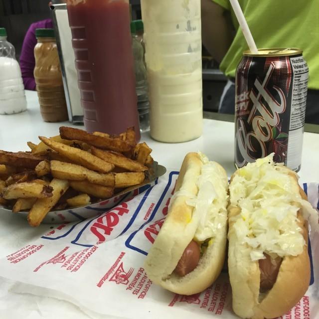 decarie hotdog