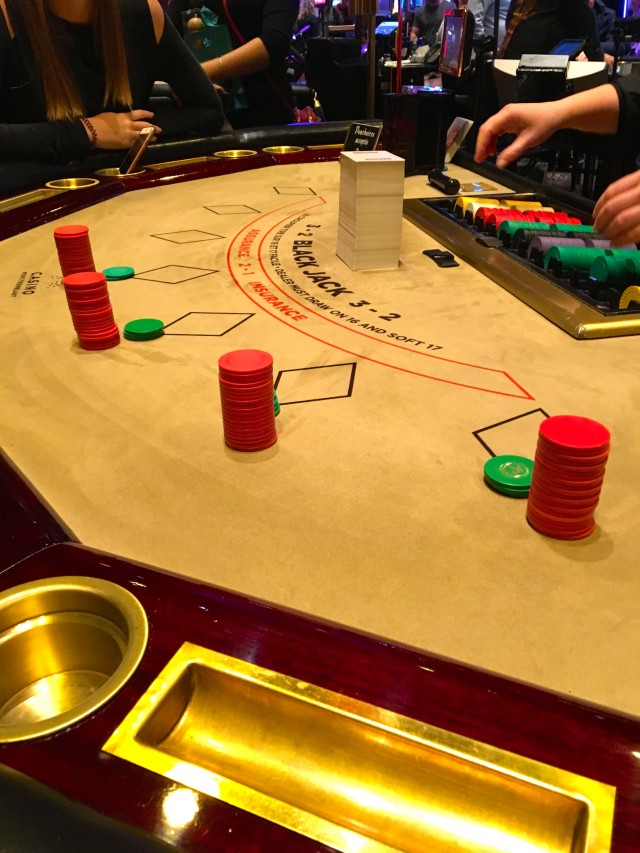 Casino Mont-Tremblant_Blackjack Table (TH).jpg