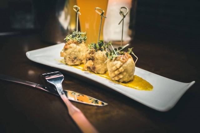 le saint moose montreal restaurant bar 2