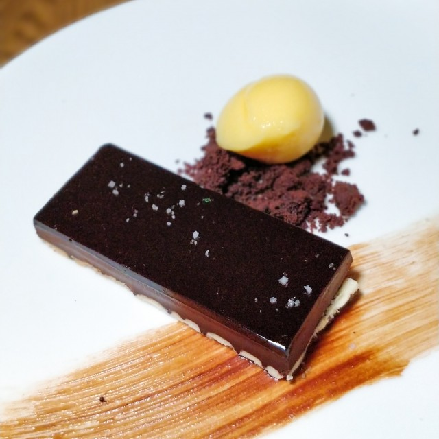 chocolate-tart-peach-sorbet-RC
