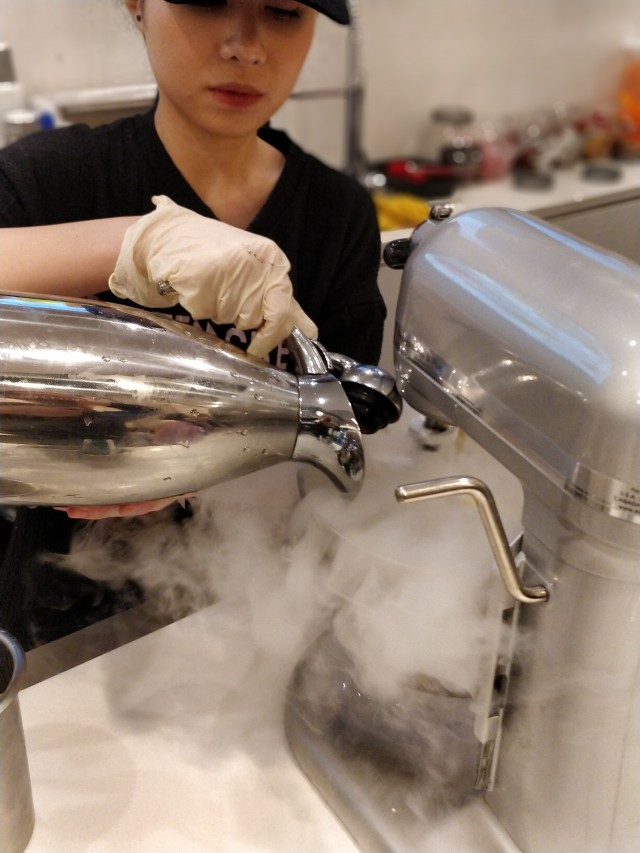 making of liquid nitrogen ice cream 1 - RC