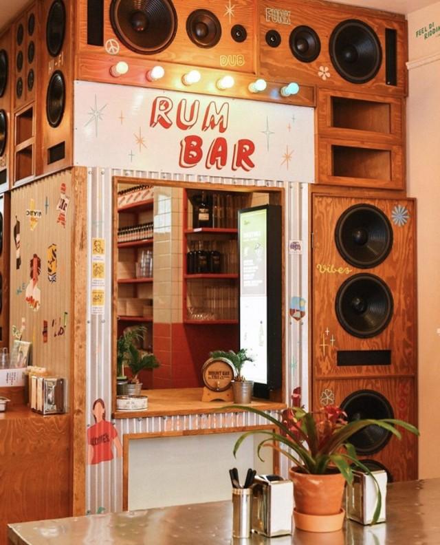 Lloydies Caribbean Restaurant Crescent Rum Bar